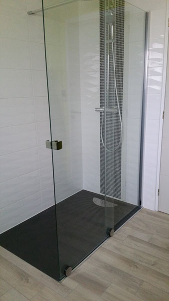 renovation de salle de bain a vitre en