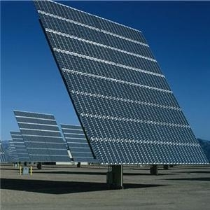 large-solar-modules-with-trackers