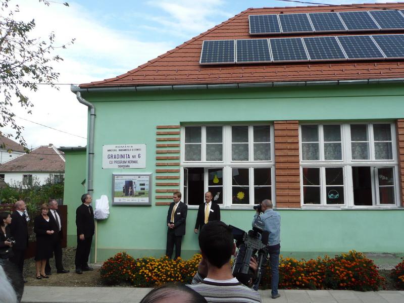 panouri_fotovoltaice_si_panouri_termice_la_sighisoara.jpg