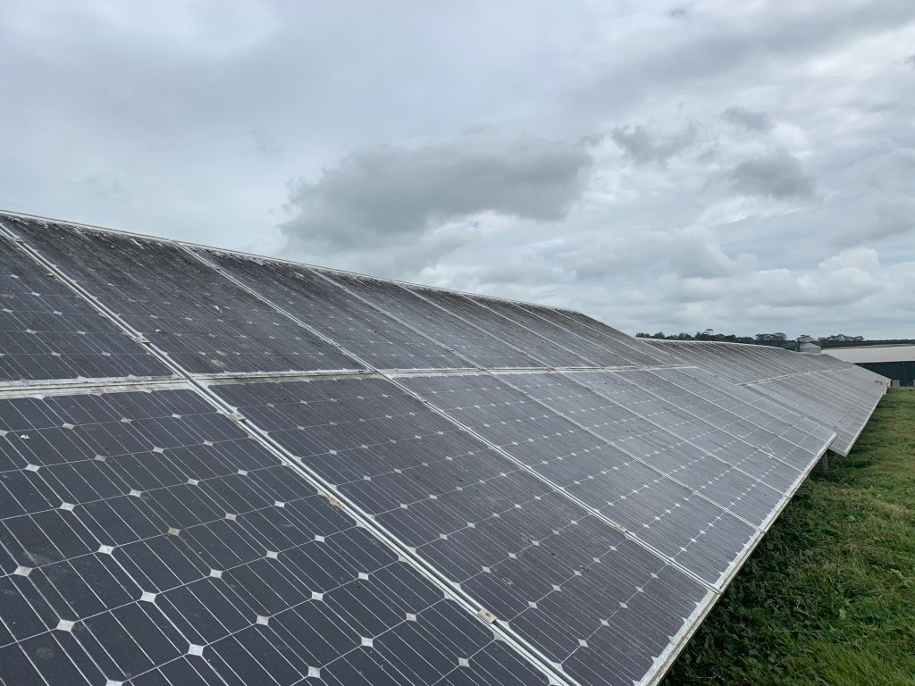 Solar panels that need cleaning in Wadebridge