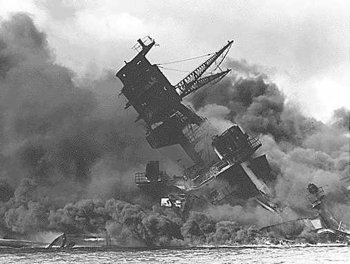 https://i1.wp.com/www.solarnavigator.net/history/explorers_history/Pearl_Harbor_USS_Arizona_ablaze.jpg