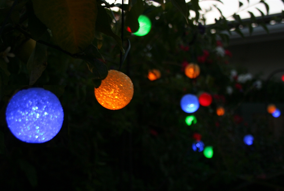 solar colored light strings 21 colored spheres with colored leds - Christmas Light Spheres