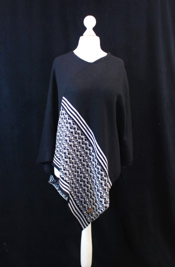 Solasonach Marrakech lambswool poncho in black and white