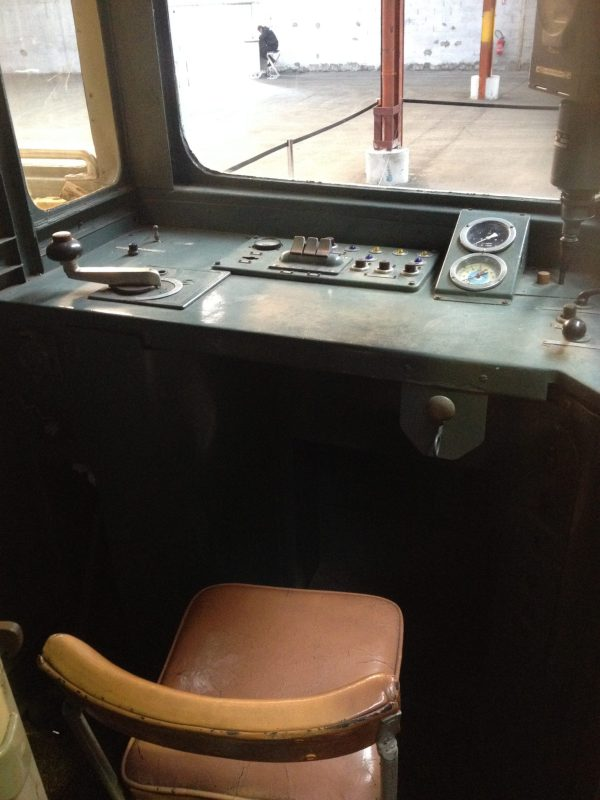 Cabine de conducteur ancien métro