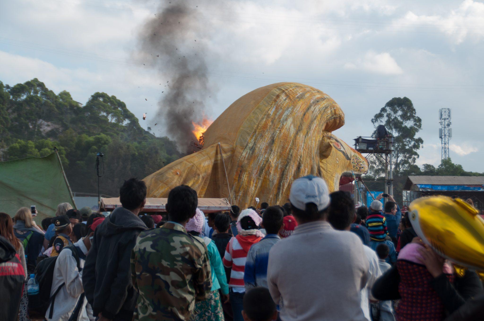 Taunggyi hot air balloon festival birmanie