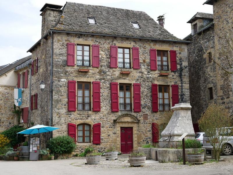Visiter Sainte Eulalie d'Olt Des Causses à l'Aubrac