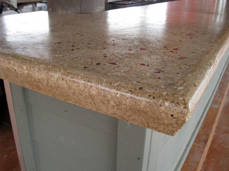 bullnose edge view of the polished concrete countertop
