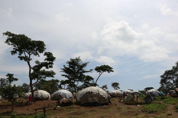 Les abris de fortune du camp de réfugiés centrafricains de Gado au Cameroun
