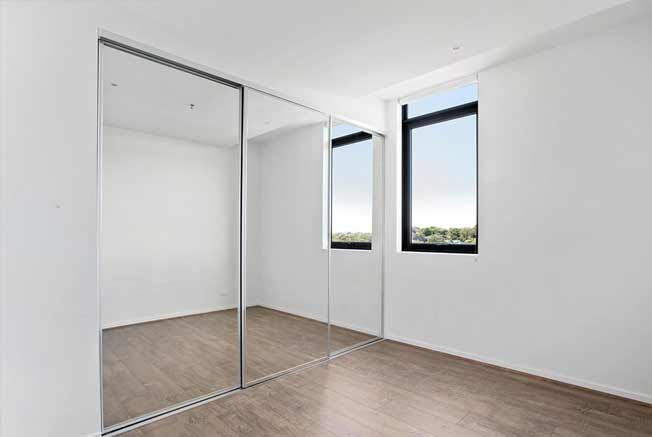 302/1101 Toorak Road Camberwell bedroom