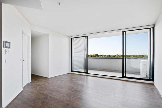 302/1101 Toorak Road Camberwell living room