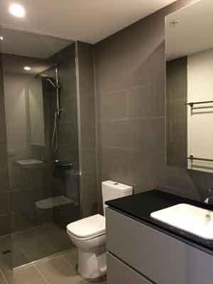 Gascoigne, 879 Dandenond bathroom