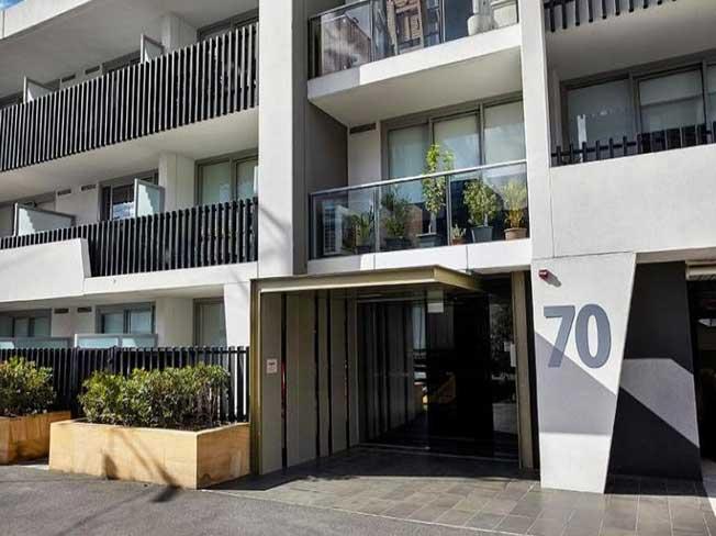 530/70 Nott Street Port Melbourne exterior