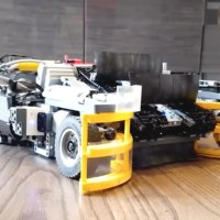 This Guy Built His Own Custom Roomba to Clean Up LEGO Bricks