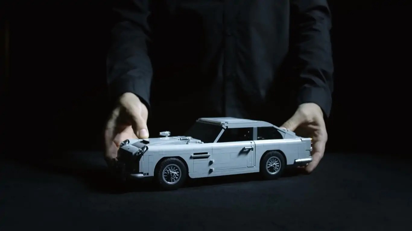 The LEGO James Bond Aston Martin DB5 Likes Its Gadgets Shaken, Not Stirred