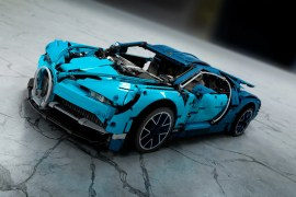 LEGO-Technic-Bugatti-Chiron-42083-KeyShot-Kotovskuy-01