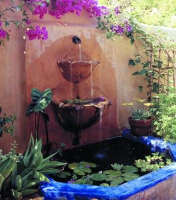 Yard d cor the beauty of a mexican water fountain sol for Mexican style outdoor fountains