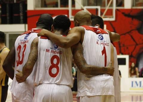 Omar Thomas, Mike Rosario y Aaron Pérez