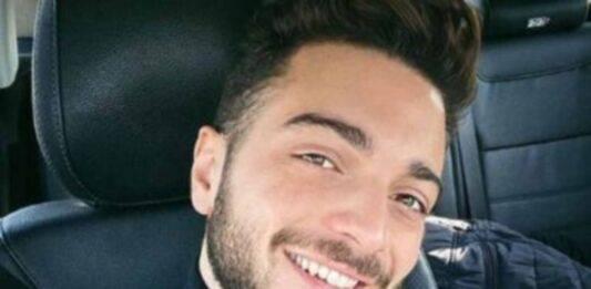 Gianluca Ginoble è uno degli artisti del trio 'Il Volo', avete mai visto sua madre? E' bellissima, e giovanissima: quanta bellezza!