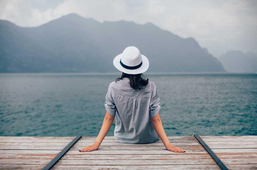 אישה אגם גארדה1