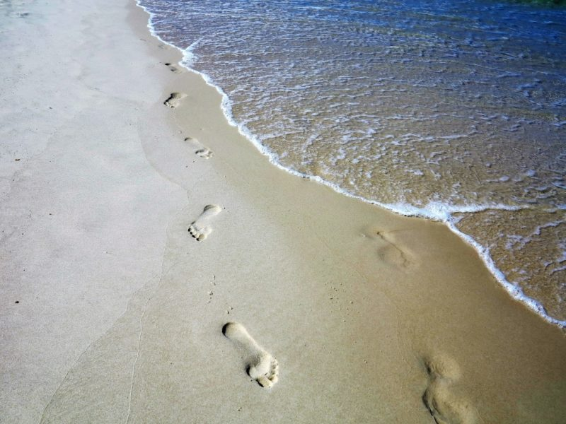 footprints-in-the-sand-full-version-with-water-bribie-island-australia_t20_PQkQ4p (1)