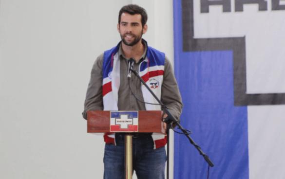 Johnny Wright dice estar preocupado porque ARENA se este pareciendo al FMLN