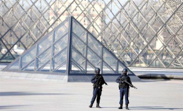 Operativo antiterrorista deja 5 detenidos en Francia