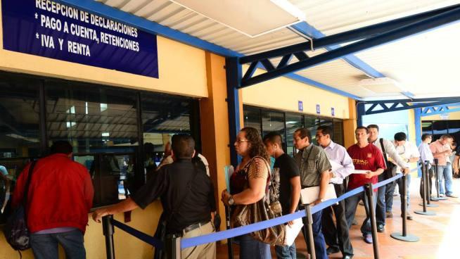 Ministerio de Hacienda suspenderá servicios en el edificio de las tres torres de San Salvador