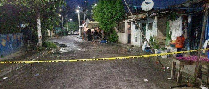 Pandilleros acribillan a uno de sus miembros en San Salvador