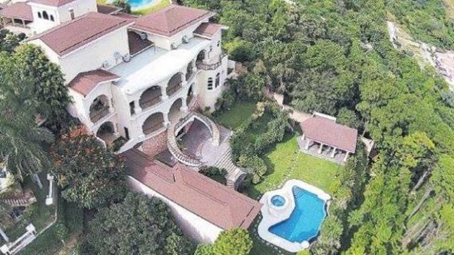 Fiscalía solicita usar mansión del expresidente Saca como asilo para ancianos