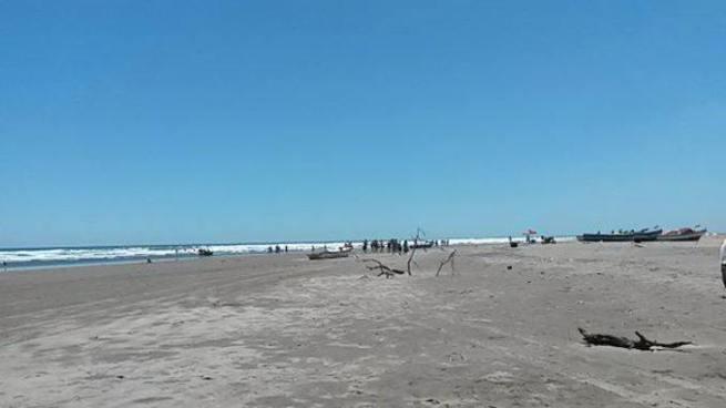 Encuentran un cadáver de dos jóvenes que fueron arrastrados por una corriente en playa de La Unión