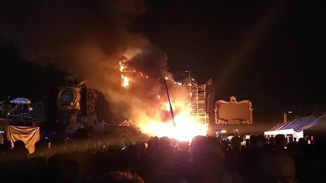 Se incendia escenario principal de Tomorrowland en Barcelona