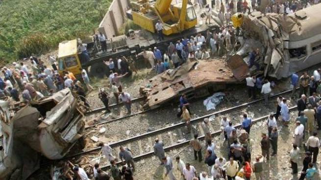 Choque de trenes en Egipto deja al menos 36 muertos y más de 100 heridos