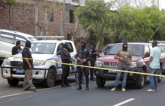 Hombre es baleado en Lourdes Colón