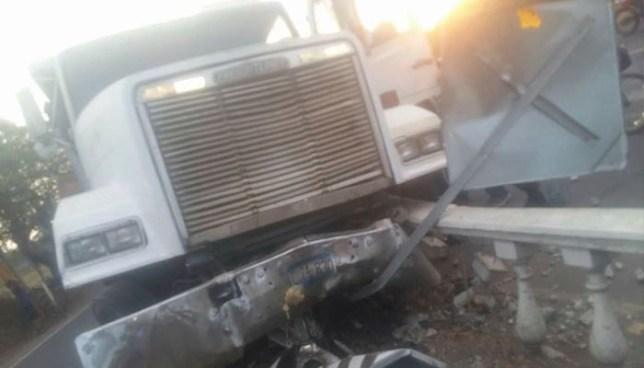 Anciana pierde una pierna tras ser arrollada por un camionero ebrio en Acajutla