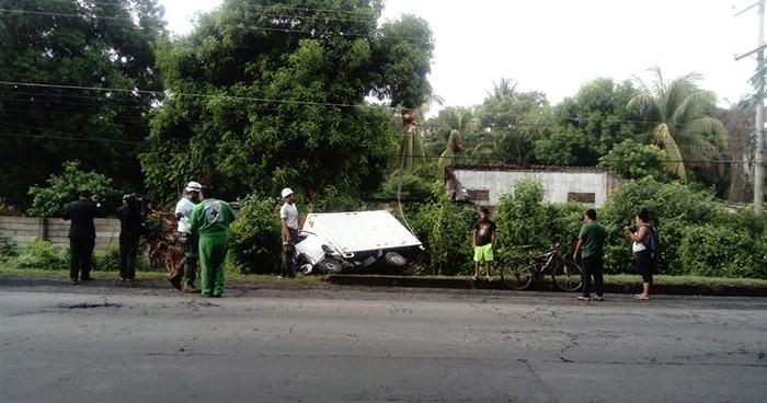 Volcamiento de camión deja seis personas lesionadas en La Libertad