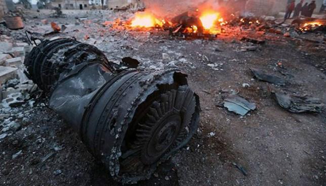 Avión ruso que transportaba militares se estrella en Siria  y deja 32 muertos