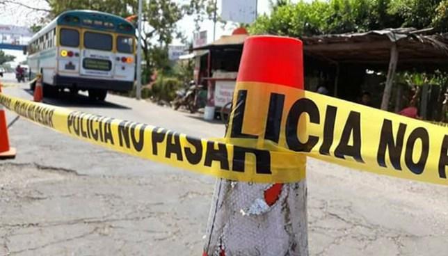 Motorista de autobús atropella y mata a un hombre en Acajutla, Sonsonate