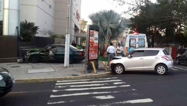 Accidente de tránsito en colonia Escalón deja dos personas lesionadas