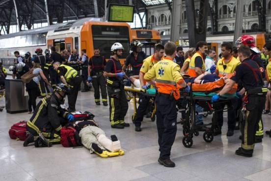 Accidente de tren en estación de Barcelona deja 56 personas afectadas