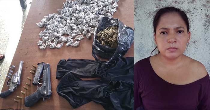 Mujer es detenida por portar droga y dos pistolas en el departamento de La Paz