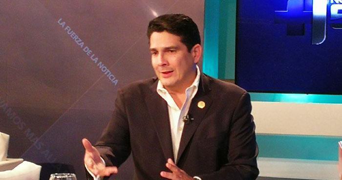 Alcalde Roberto d'Aubuisson afirma no dará marcha atrás al desalojo de vendedores