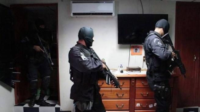Subinspector y 4 policías enfrentan a la justicia por realizar allanamiento sin autorización