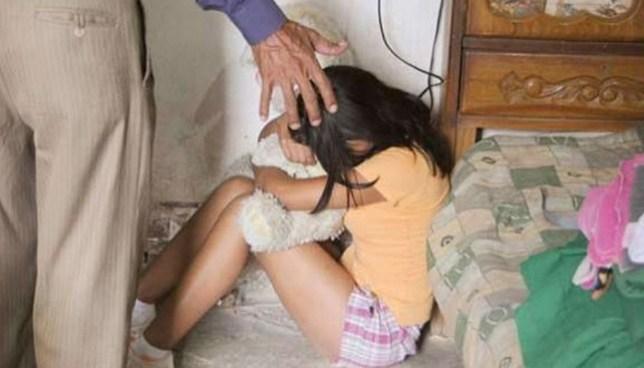 Condenan a anciano que violó y embarazó a una adolescente en Cuscatlán