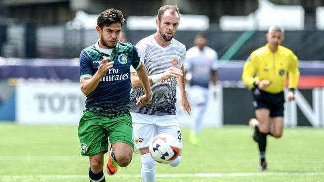 """Andrés """"el Ruso"""" Flores marca un golazo con el New York Cosmos"""