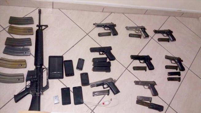 PNC captura en San Salvador a un menor de edad con un arsenal de armas