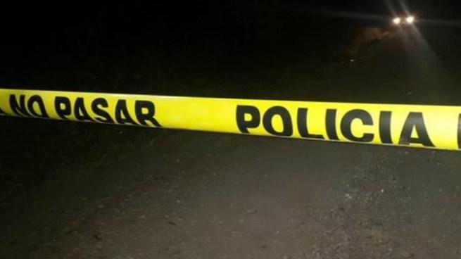 Presuntos pandilleros asesinan a balazos a una mujer en Ahuchapán