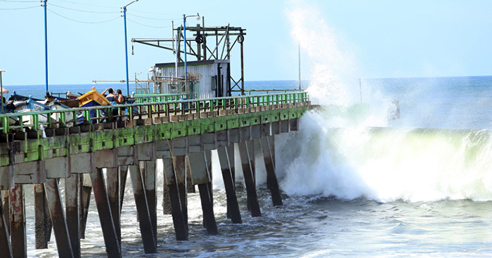 Advierte aumento en la velocidad y tamaño de olas en las costas del país