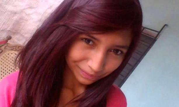 Familiares y amigos despiden a joven estudiante que murió luego de resultar herida durante un asalto