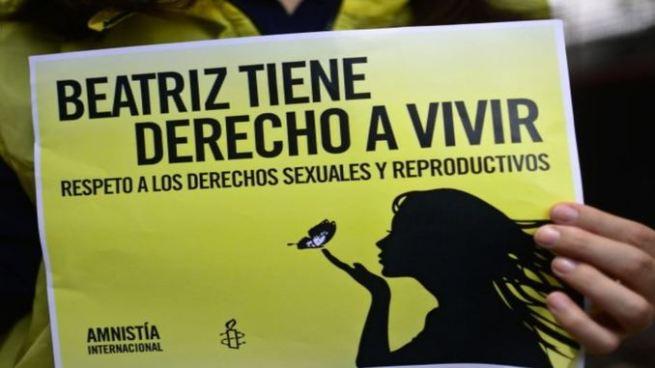 Muere mujer que pedía poder abortar de forma legal en El Salvador en accidente de tránsito