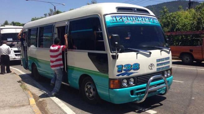 Trasportistas amenazan con subir el pasaje hasta $0.50 centavos
